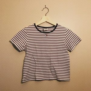 Adorable Tommy Hilfiger crop top!